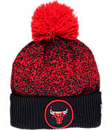 New Era Chicago Bulls NBA On Court Collection Pom Knit Hat