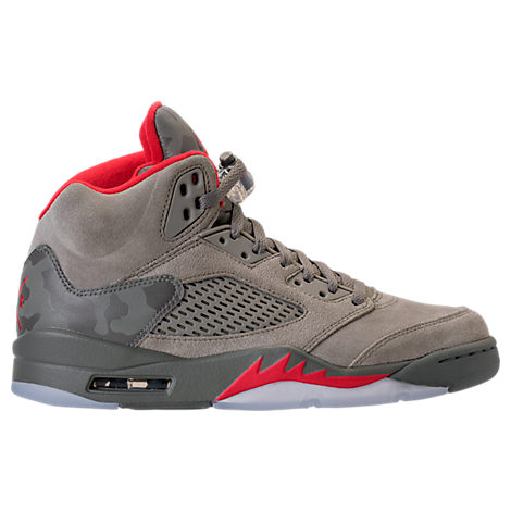 With the likes of Drake collabing and rocking the latest Jordan sneakers, its no wonder that everyone is going crazy over Air Jordan. Take flight like your favorite stars and grab the latest in retro Jordans, Jordan shoes and Jordan clothing for men, women and kids from Finish Line.