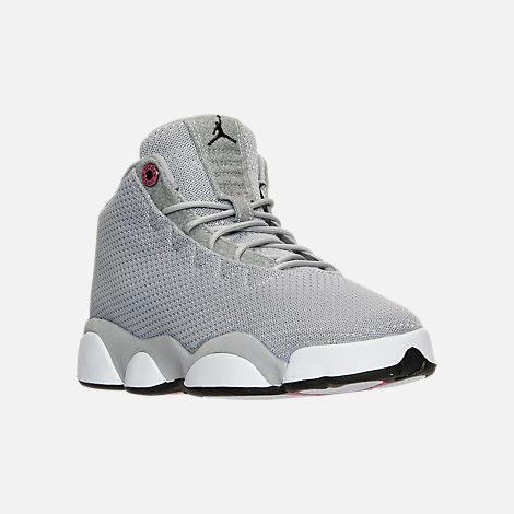 Three Quarter view of Girls' Grade School Jordan Horizon Low (3.5y-9.5y) Basketball Shoes in Wolf Grey/Black/White/Vivid Pink