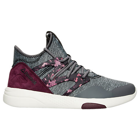 And Finish Line has more than top trending shoes - we also carry the freshest athletic apparel and accessories, like on-trend hoodies, joggers, backpacks, shoe care, dad hats, camo shoes and clothes, '90s styles, and everything you need to finish off your look.
