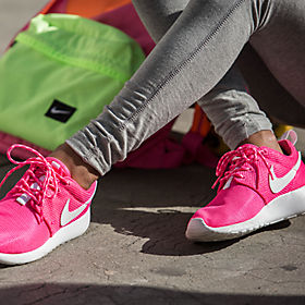 ... nike roshe one girls grade school ...
