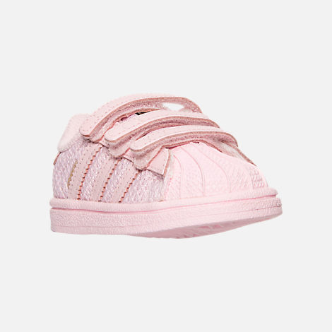 Three Quarter view of Girls' Toddler adidas Superstar Casual Shoes in Pink