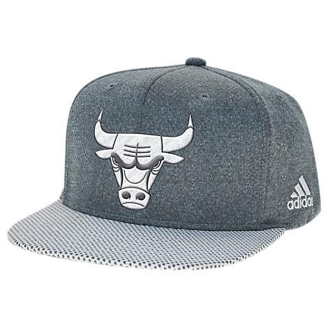 adidas Chicago Bulls NBA Textured Visor Snapback Hat