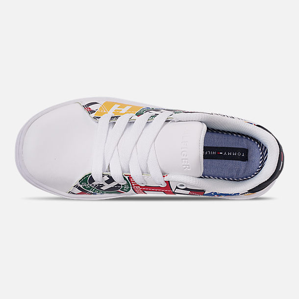Top view of Boys' Little Kids' Tommy Hilfiger Iconic Court Casual Shoes in Multi Print/White Smooth