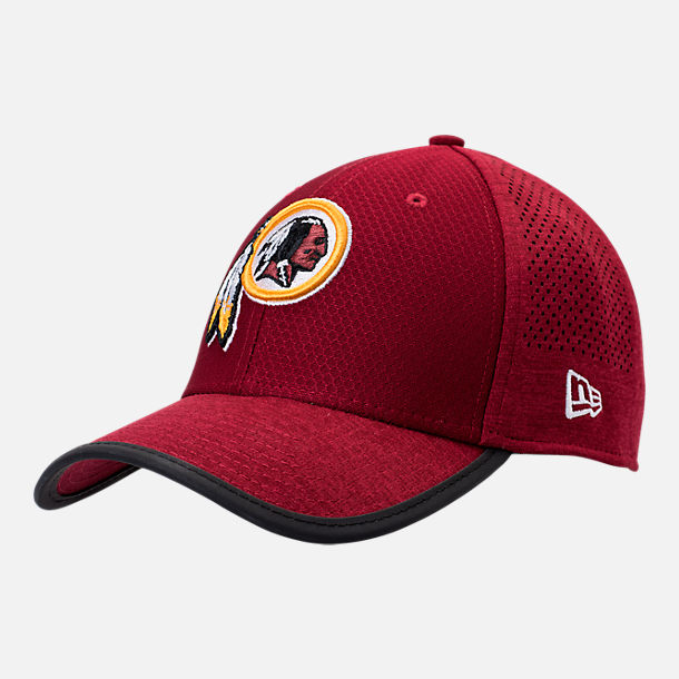 Front view of New Era Washington Redskins NFL Training Mesh 39THIRTY Flex Hat in Team Colors