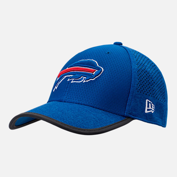 Front view of New Era Buffalo Bills NFL Training Mesh 39THIRTY Flex Hat in Team Colors