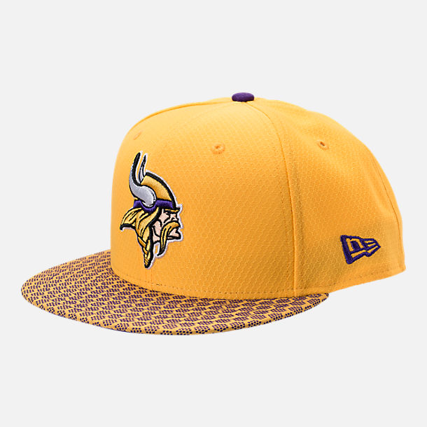 Front view of New Era Minnesota Vikings NFL Sideline 9FIFTY Snapback Hat in Team Colors