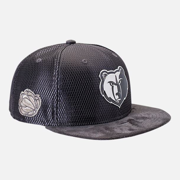 Front view of New Era Memphis Grizzlies NBA 2017 Draft Official On Court Collection 9FIFTY Snapback Hat in Graphite/Silver