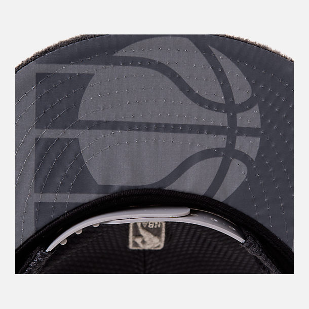 Back view of New Era Indiana Pacers NBA 2017 Draft Official On Court Collection 9FIFTY Snapback Hat in Graphite/Silver