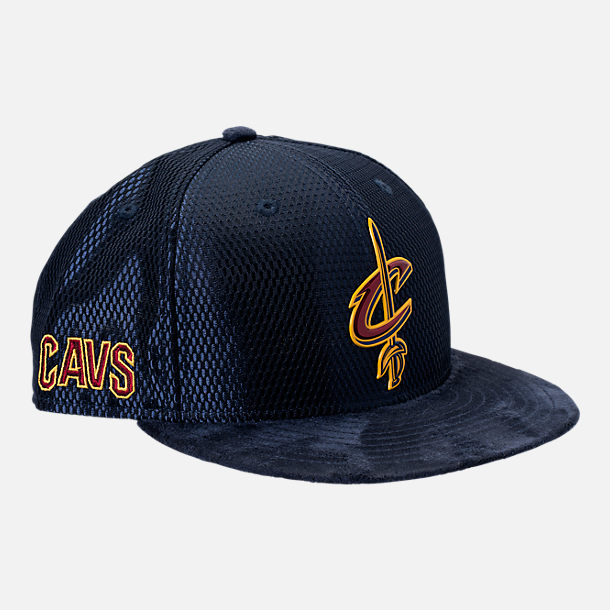 Front view of New Era Cleveland Cavaliers NBA 2017 Draft Official On Court Collection 9FIFTY Snapback Hat in Reverse Team Colors