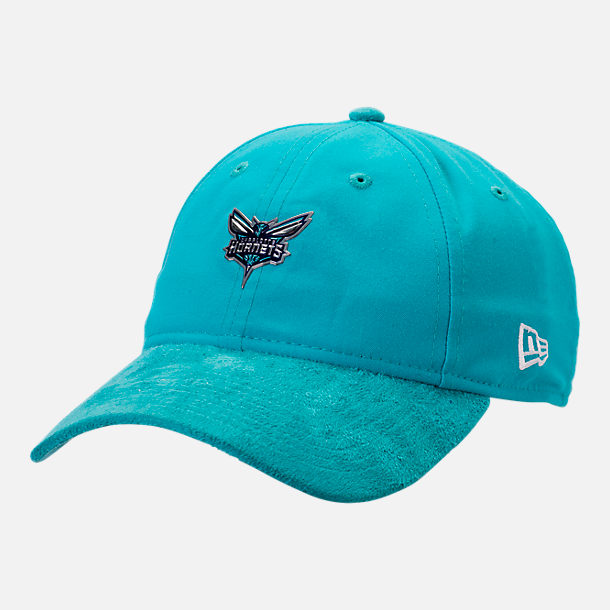 Front view of New Era Charlotte Hornets NBA 2017 Draft Official On Court Collection 9TWENTY Adjustable Hat in Team Colors