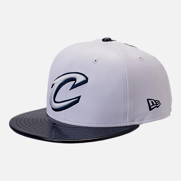 Front view of New Era Cleveland Cavaliers NBA Retro 11 Snapback Hat in White