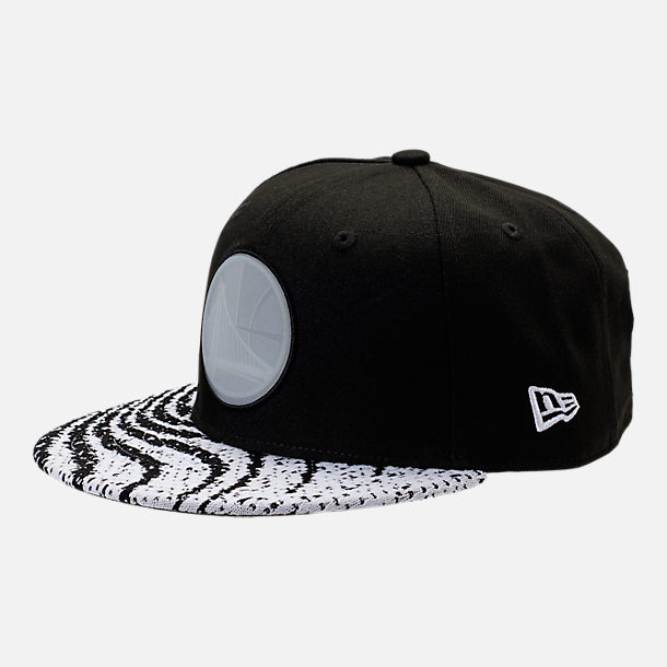 Front view of New Era Golden State Warriors NBA Boost Redux 9FIFTY Snapback Hat in Black/White