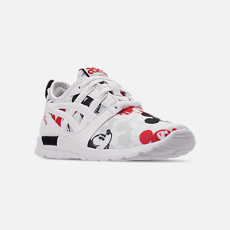 Three Quarter view of Boys' Little Kids' Asics Onitsuka Tiger x Disney GEL-Hikari Mickey Mouse Casual Shoes in White/White
