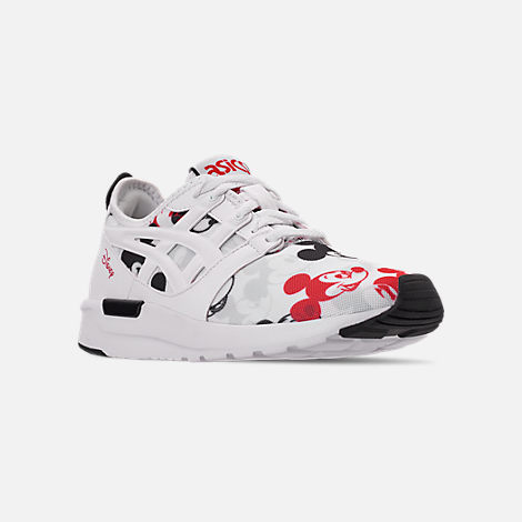 Three Quarter view of Boys' Big Kids' Asics Onitsuka Tiger x Disney GEL-Hikari Mickey Mouse Casual Shoes in White/White