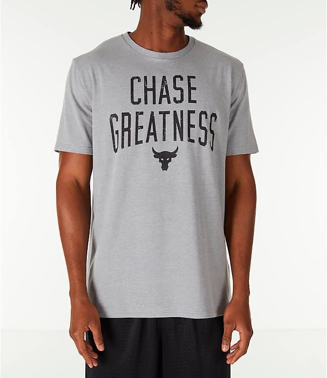 Front view of Men's Under Armour x Project Rock Chase Greatness T-Shirt in Steel/Black