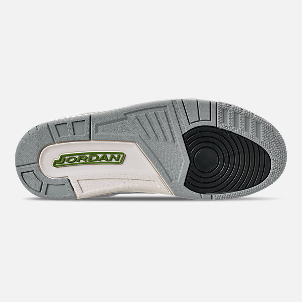 Bottom view of Men's Air Jordan Retro 3 Basketball Shoes in Light Smoke Grey/Chlorophyll/Black
