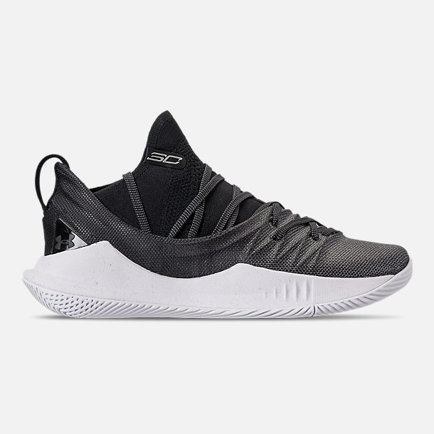 Right view of Men's Under Armour Curry 5 Basketball Shoes in White/Black/Metallic Silver