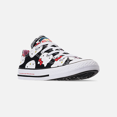 Three Quarter view of Girls' Little Kids' Converse Chuck Taylor All Star Hello Kitty Ox Casual Shoes in Black/Pink Prism - Hello Kitty