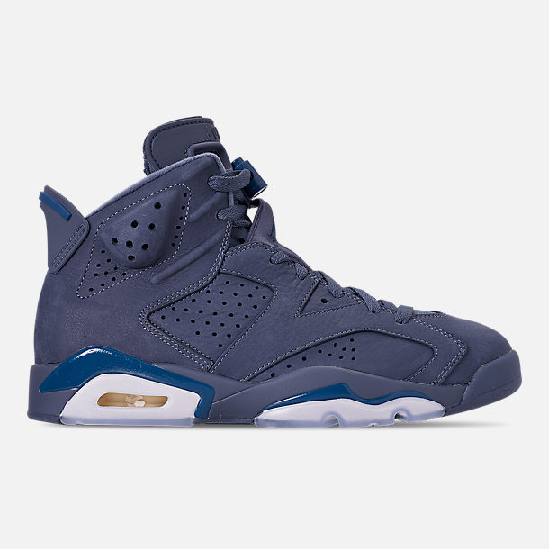 Right view of Men's Air Jordan Retro 6 Basketball Shoes in Diffused Blue/Court Blue