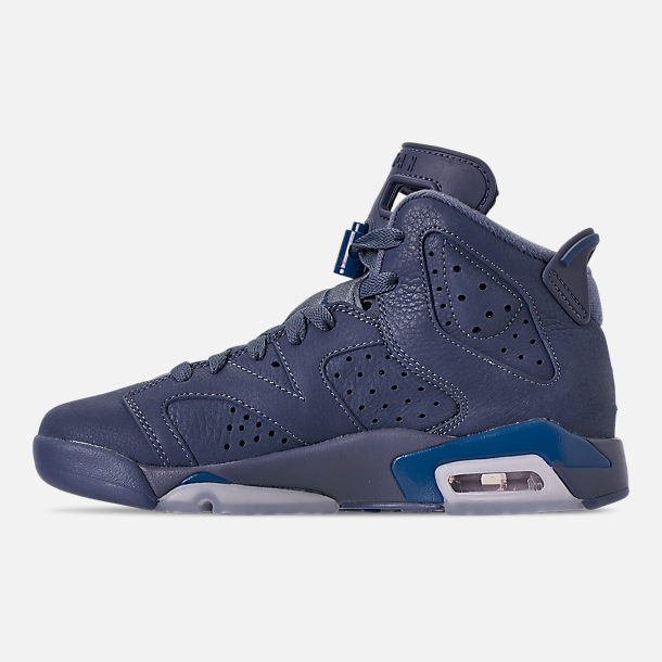 Left view of Big Kids' Air Jordan Retro 6 Basketball Shoes in Diffused Blue/Court Blue