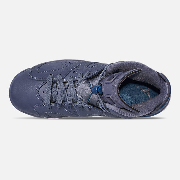 Top view of Big Kids' Air Jordan Retro 6 Basketball Shoes in Diffused Blue/Court Blue