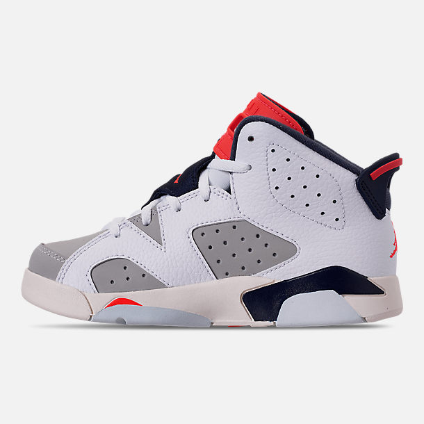Left view of Little Kids' Air Jordan Retro 6 Basketball Shoes in White/Infrared 23/Neutral Grey/Obsidian
