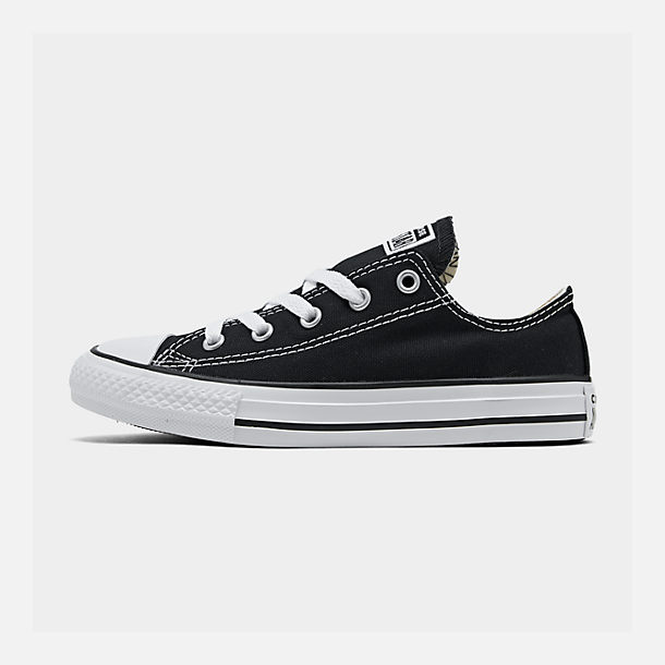 Right view of Boys' Little Kids' Converse Chuck Taylor Ox Casual Shoes in Black