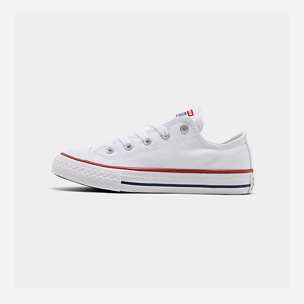 Right view of Boys' Little Kids' Converse Chuck Taylor Low Top Casual Shoes in White