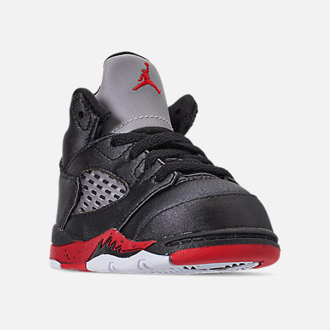 Three Quarter view of Kids' Toddler Air Jordan Retro 5 Basketball Shoes in Black/University Red