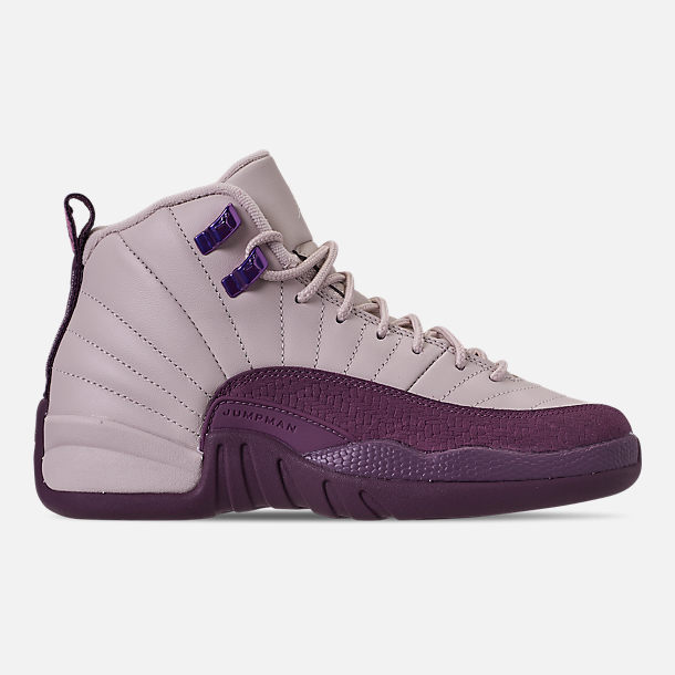 Right view of Girls' Big Kids' Air Jordan Retro 12 Basketball Shoes in Desert Sand/Desert Sand/Pro Purple