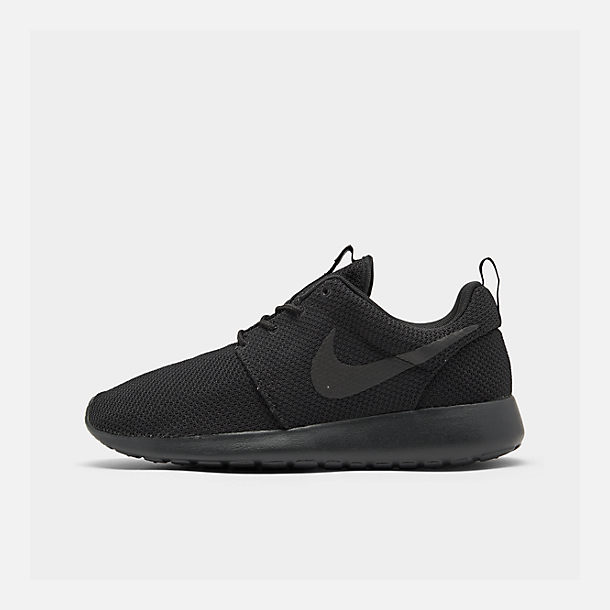 Right view of Men's Nike Roshe One Casual Shoes in Black/Black