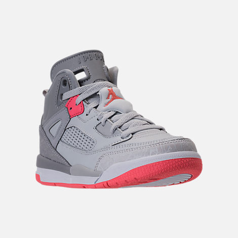 Three Quarter view of Girls' Preschool Jordan Spizike Basketball Shoes in Wolf Grey/Sunblush/Pure Platinum