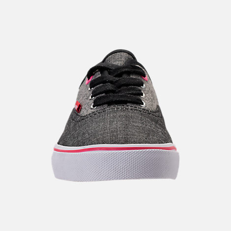 Front view of Girls' Preschool Levi's Monterey Chambray 2 Tone Casual Shoes in Black/Charcoal/Fuchsia