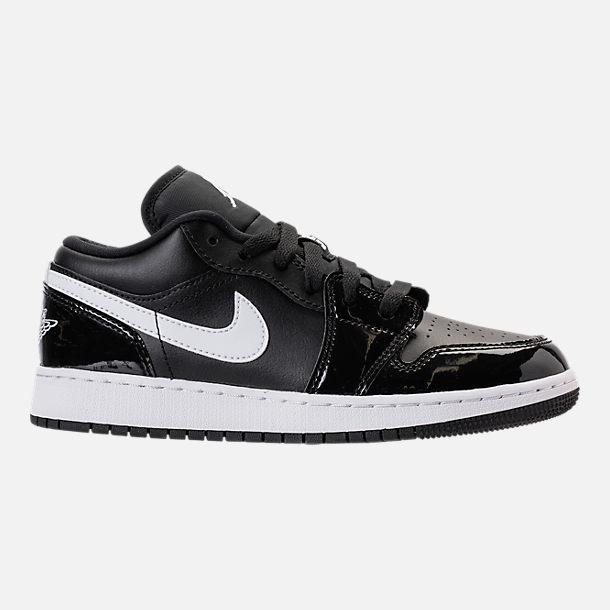 Right view of Kids' Grade School Air Jordan 1 Low Basketball Shoes in Black/White/University Red