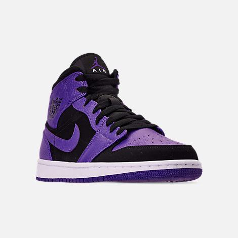 Three Quarter view of Men's Air Jordan 1 Mid Retro Basketball Shoes in Black/Dark Concord/White