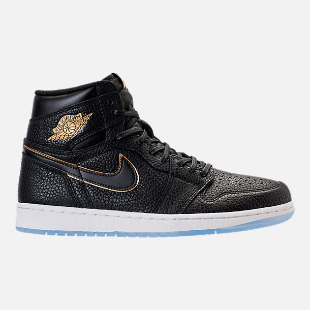 Right view of Men's Air Jordan 1 Retro High OG Basketball Shoes in Black/Metallic Gold/Summit White