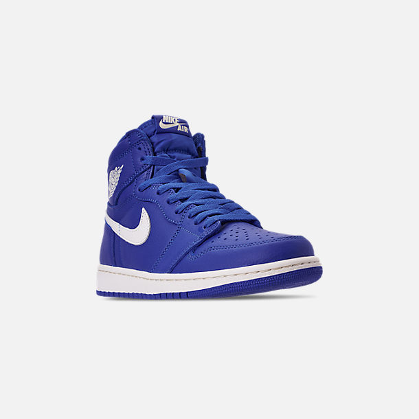 Three Quarter view of Men's Air Jordan Retro 1 High OG Basketball Shoes in Hyper Royal/Sail