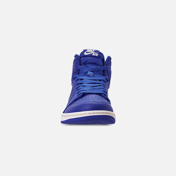 Front view of Men's Air Jordan Retro 1 High OG Basketball Shoes in Hyper Royal/Sail