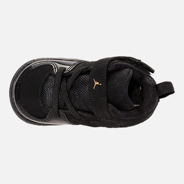 Top view of Boys' Toddler Air Jordan Flight Club '91 Basketball Shoes in Black/Metallic Gold/White