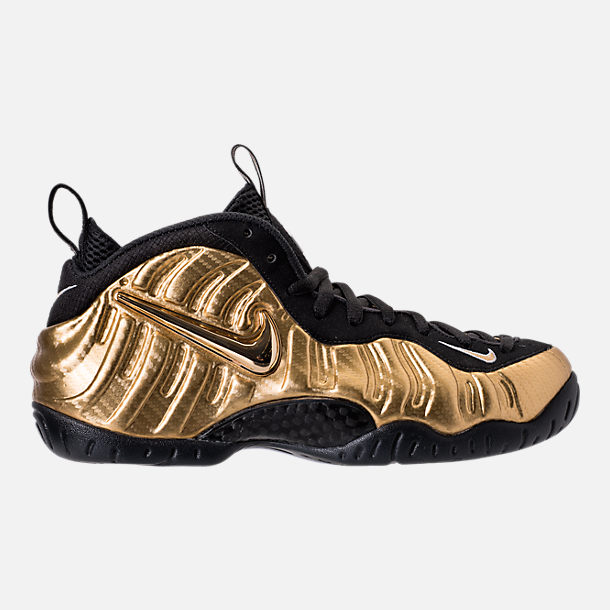 Right view of Men's Nike Air Foamposite Pro Basketball Shoes in Metallic Gold/Black/White