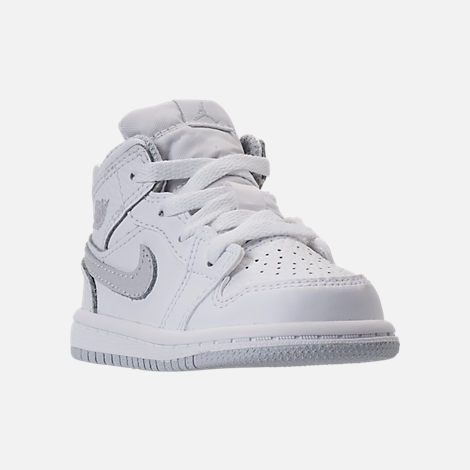 Three Quarter view of Kids' Toddler Air Jordan 1 Mid Retro Basketball Shoes in White/Pure Platinum/White