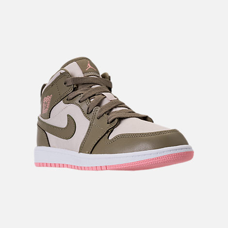 Three Quarter view of Girls' Preschool Air Jordan 1 Mid Basketball Shoes in Trooper/Bleached Coral/Light Orewood