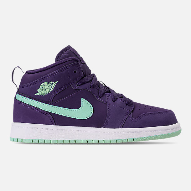 Right view of Girls' Little Kids' Air Jordan 1 Mid Casual Shoes in Ink/Emerald Rise/White