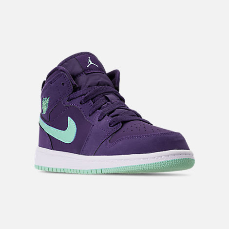 Three Quarter view of Girls' Little Kids' Air Jordan 1 Mid Casual Shoes in Ink/Emerald Rise/White
