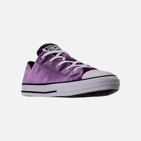 Three Quarter view of Girls' Grade School Converse Chuck Taylor Ox Velvet Casual Shoes in Night Purple/White/White