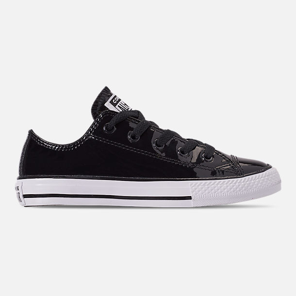 Right view of Girls' Preschool Converse Chuck Taylor All Star Leather Ox Casual Shoes in Black/White