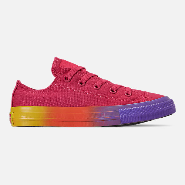Right view of Girls' Little Kids' Converse Chuck Low Top Casual Shoes in Strawberry Jam/Wild Lilac/Black