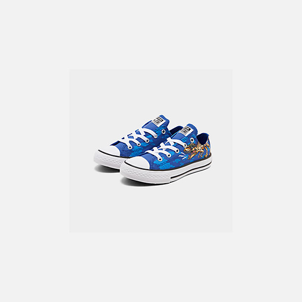 Three Quarter view of Boys' Little Kids' Converse Chuck Taylor Low Top Casual Shoes in Blue/Black/White