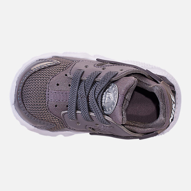 Top view of Kids' Toddler Nike Huarache Run Casual Shoes in Gunsmoke/Metallic Silver/White